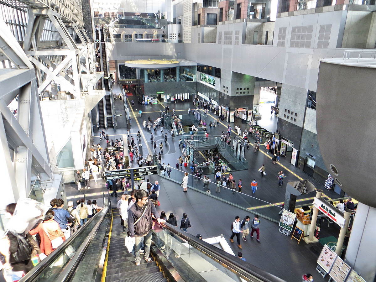 百货商场的自动扶梯