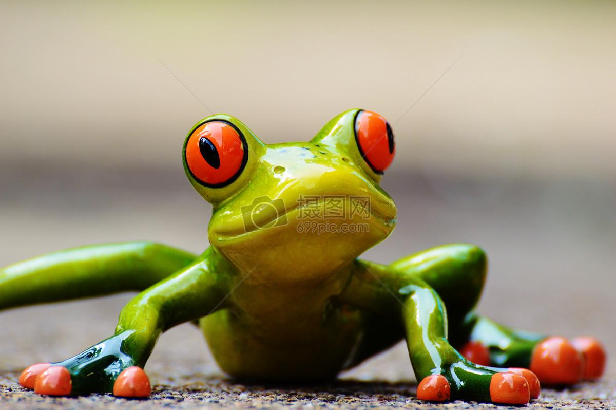 可爱的青蛙玩具图片