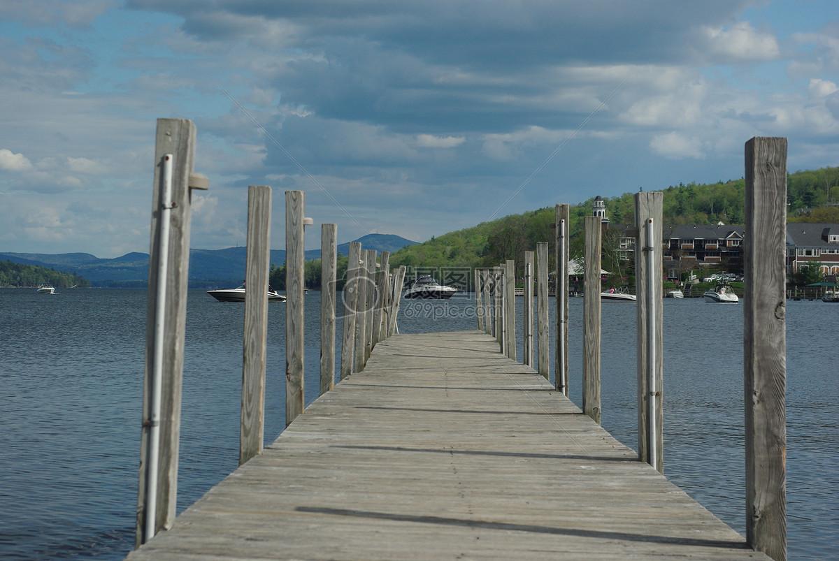 湖边上的木质桥图片素材_免费下载_jpg图片格式_高清3