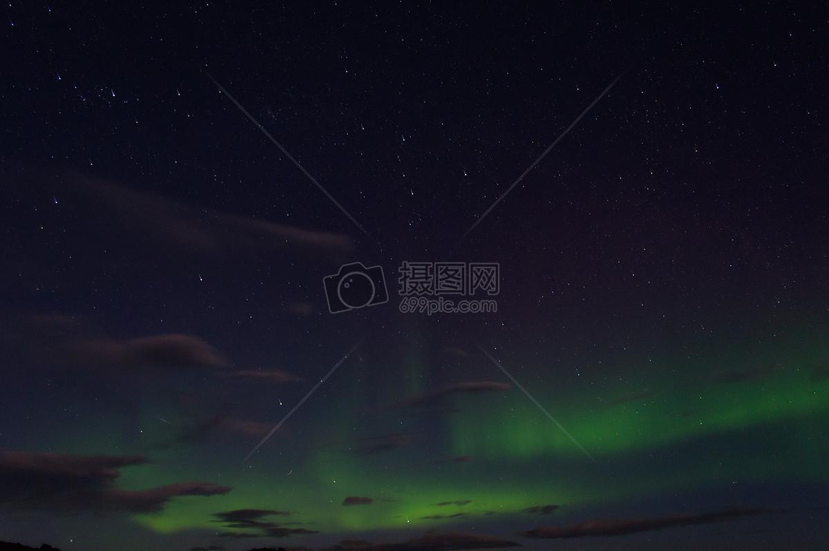 唯美图片 自然风景 美丽的夜空jpg  分享: qq好友 微信朋友圈 qq空间