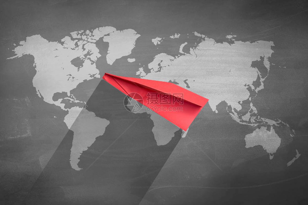 红色纸飞机图片