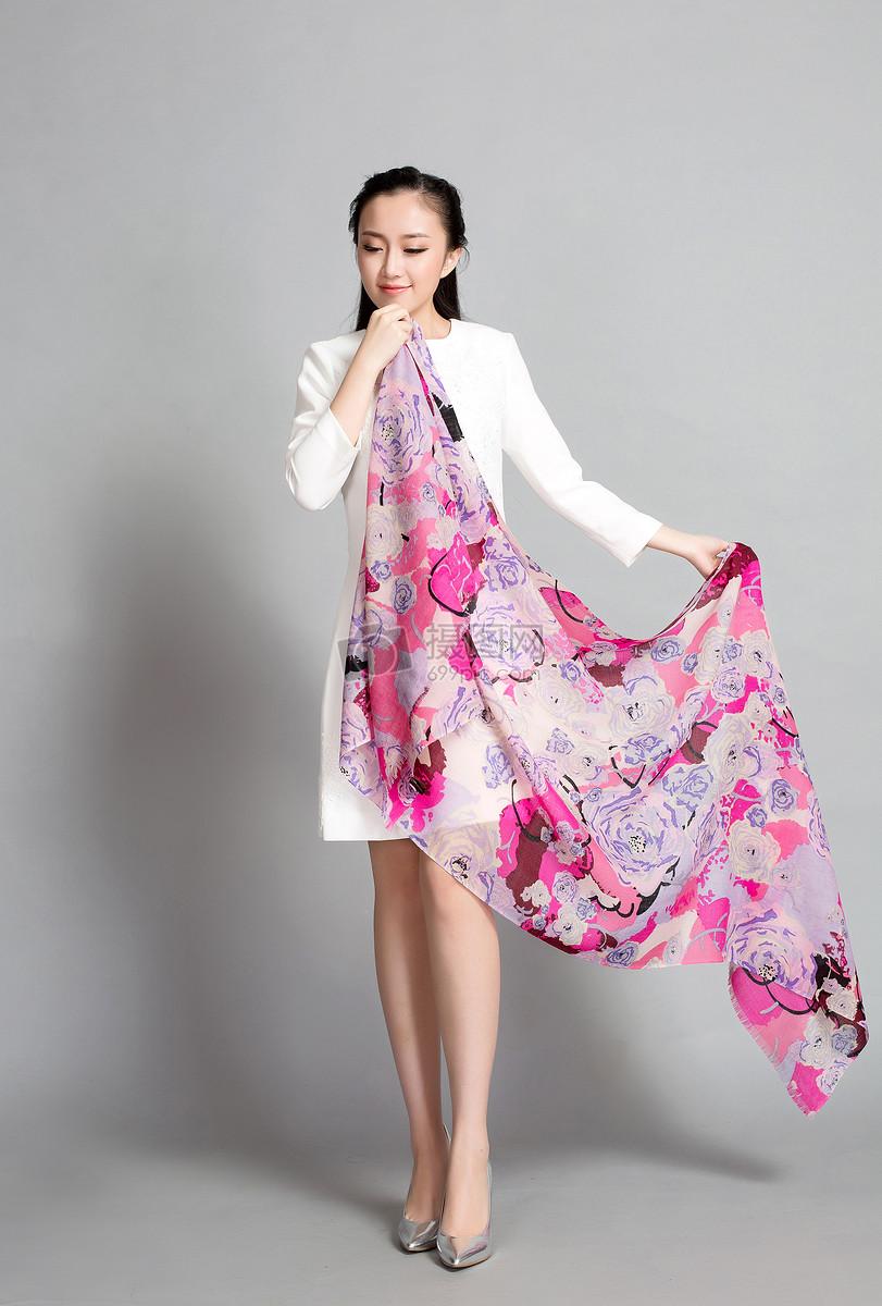 围巾丝巾披肩模特