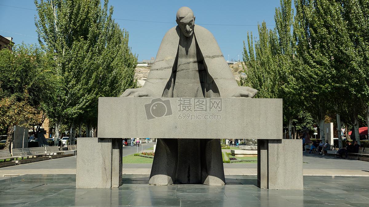 公园里的雕塑