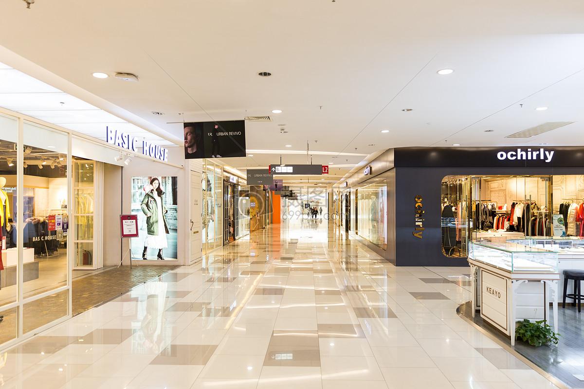 城市商场购物消费纵深场景图片