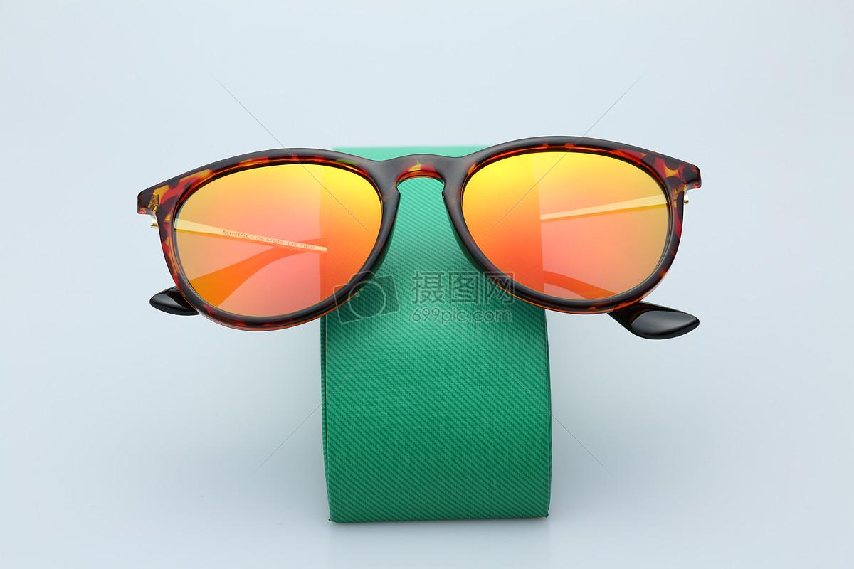 唯美图片 美容养生 太阳眼镜jpg  分享: qq好友 微信朋友圈 qq空间
