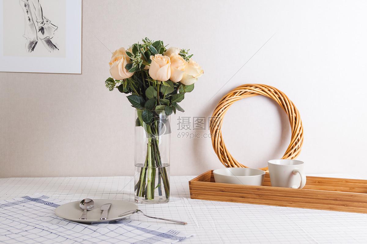 桌面布置 花艺插花 玫瑰图片