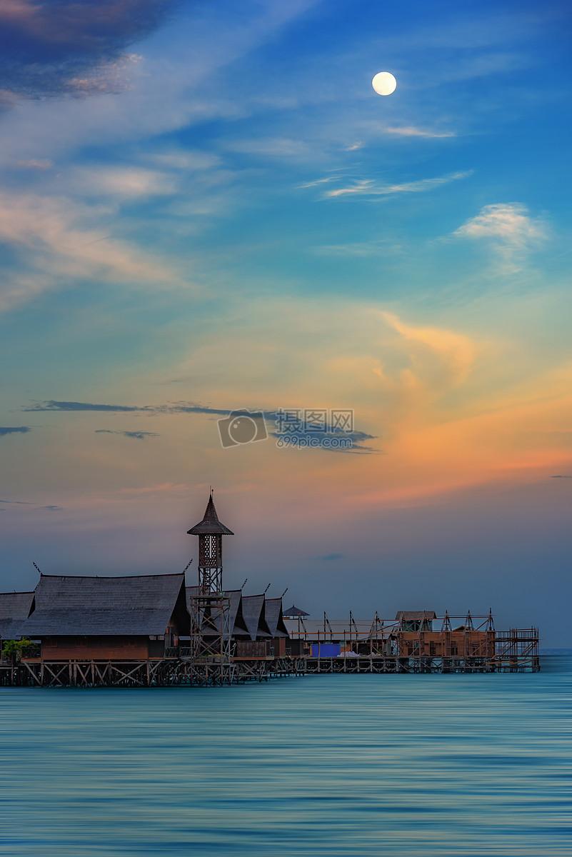 海岛水屋建筑夜景摄影图片免费下载
