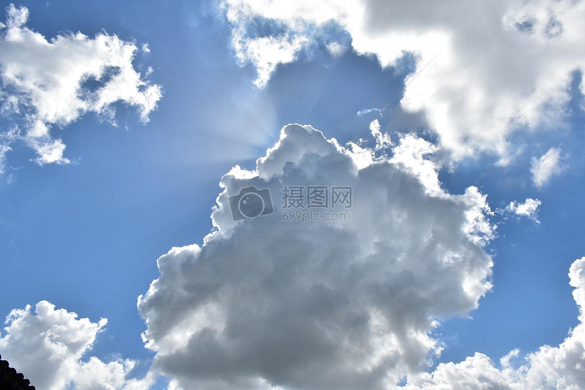 蓝白相间蓝天白云照图片素材_免费下载_jpg图片格式