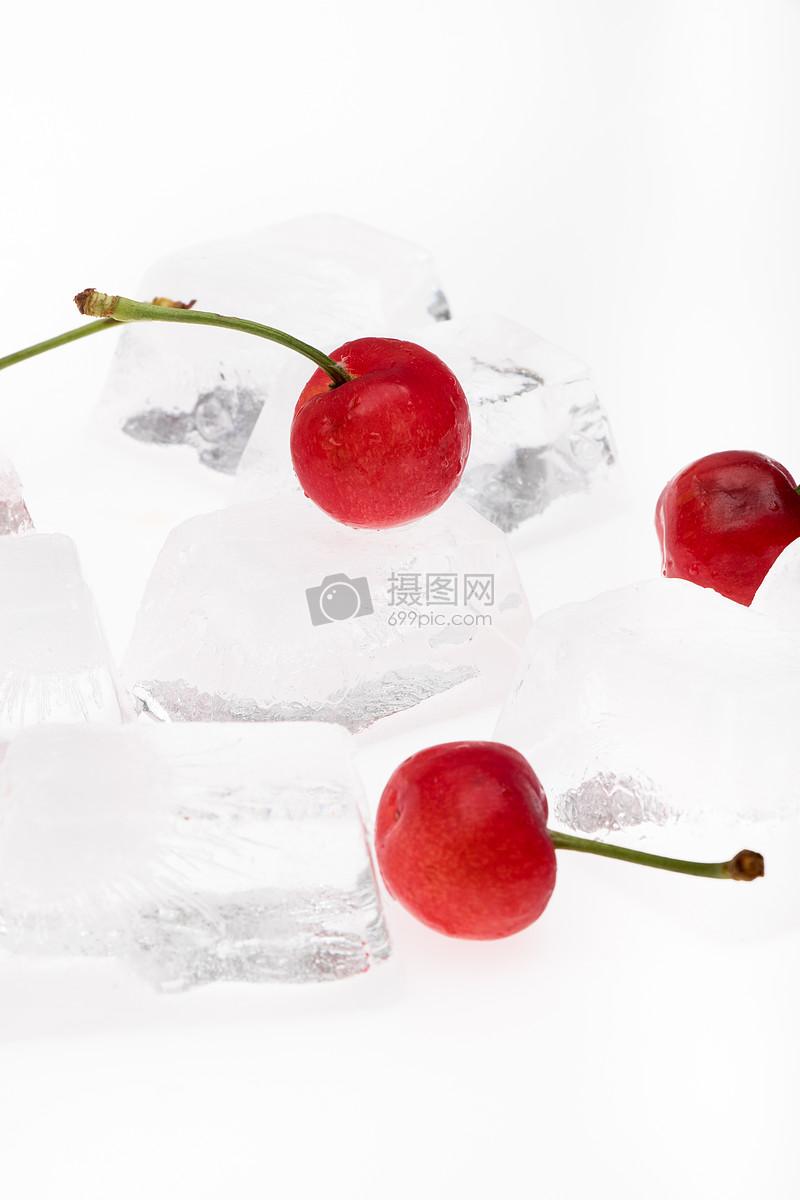 樱桃水果夏日清凉冰块