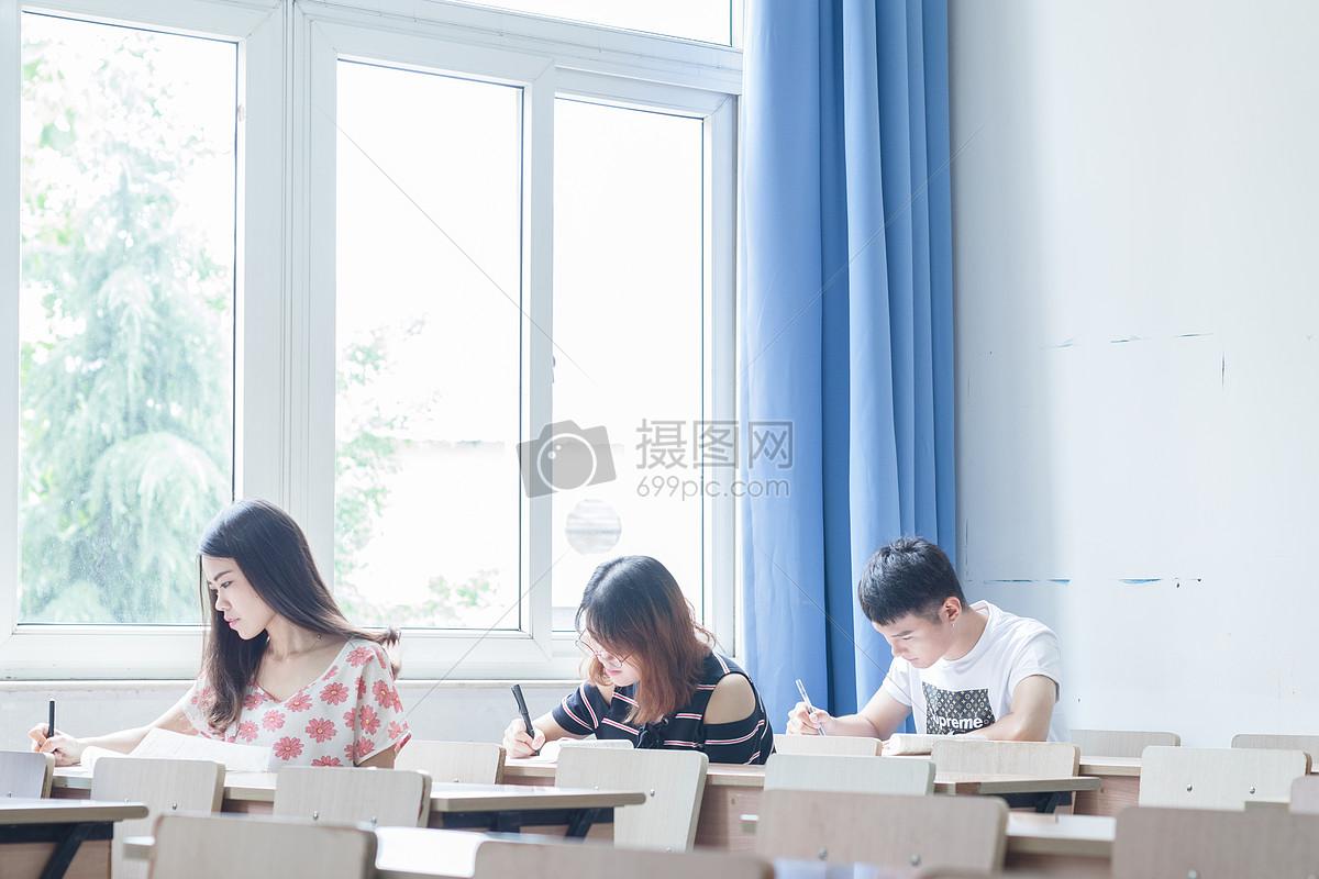 学生教室做作业考试练习卷图片素材_免费下载_jpg图片