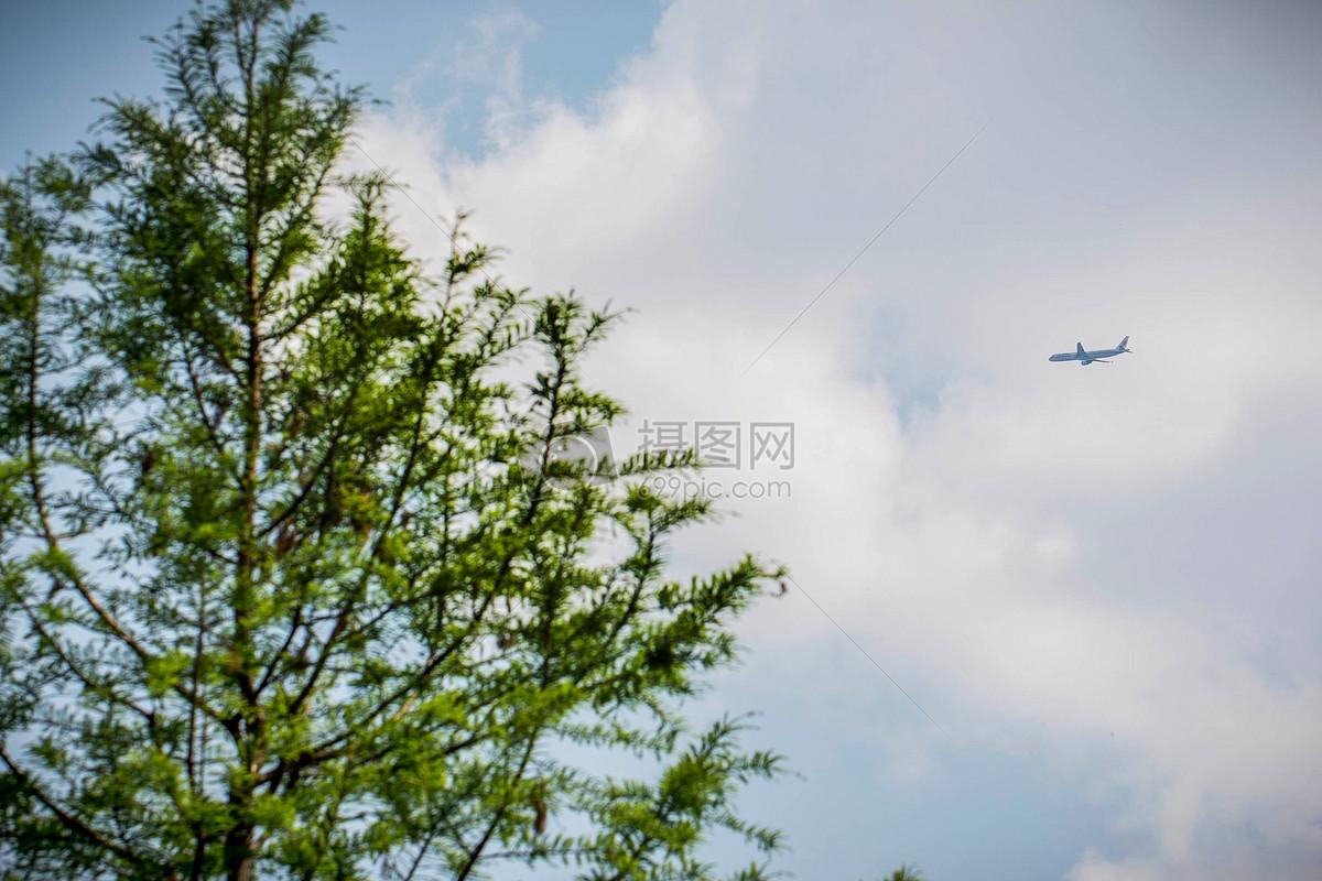 飞机飞过的天空图片素材_免费下载_jpg图片格式_vrf