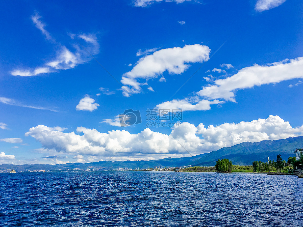 标签: 自然美白云蓝天阳光风景洱海旅游夏天光大理天空太阳云云南