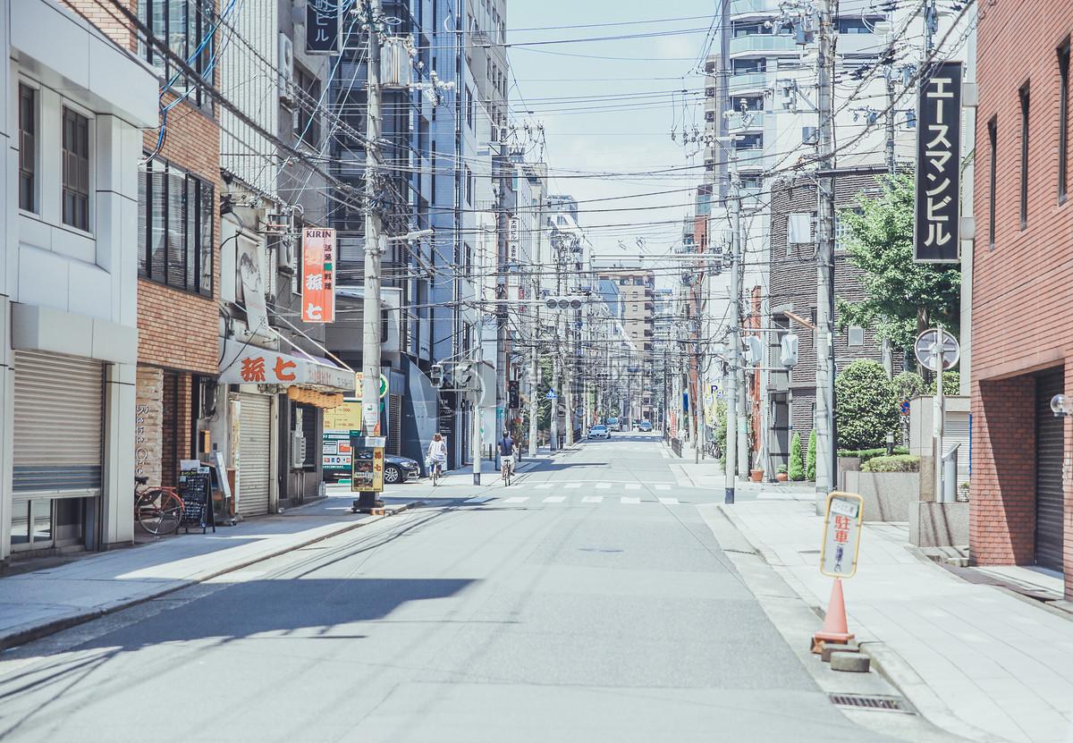 標簽: 街景樓房街道道路風景日本旅游夏天城市大阪建筑房屋關西日本