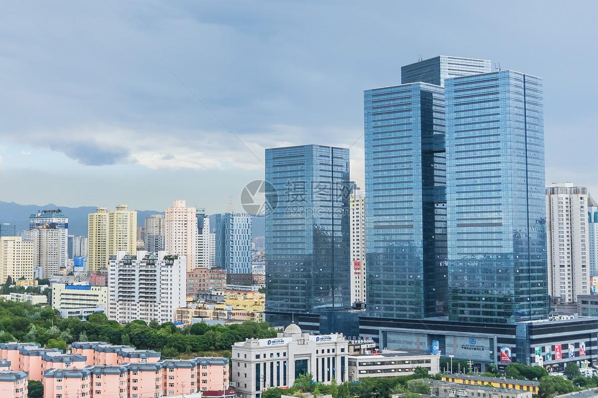 标签: 风景高楼蓝天白云建筑城市城市高楼大厦图片城市高楼大厦图片