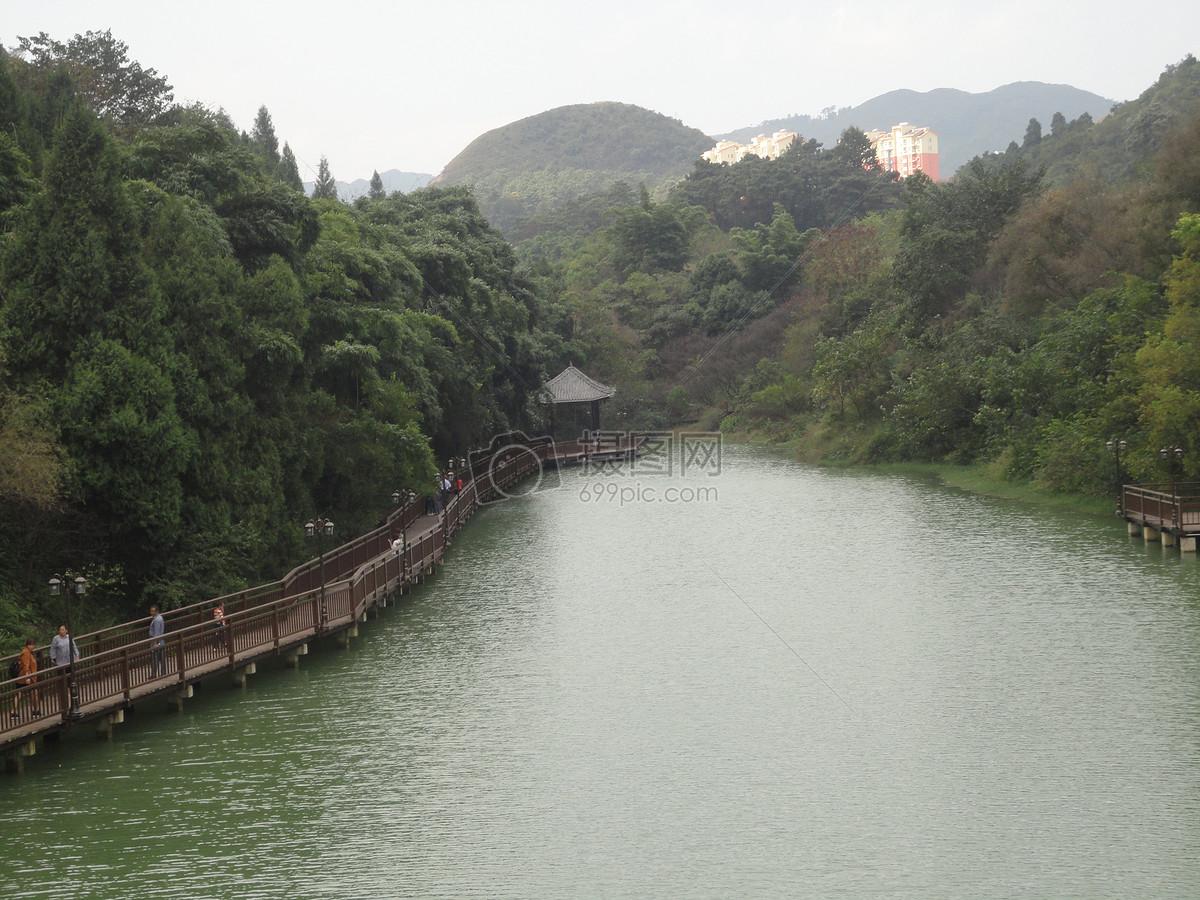 贵州醇酒厂风景区小河