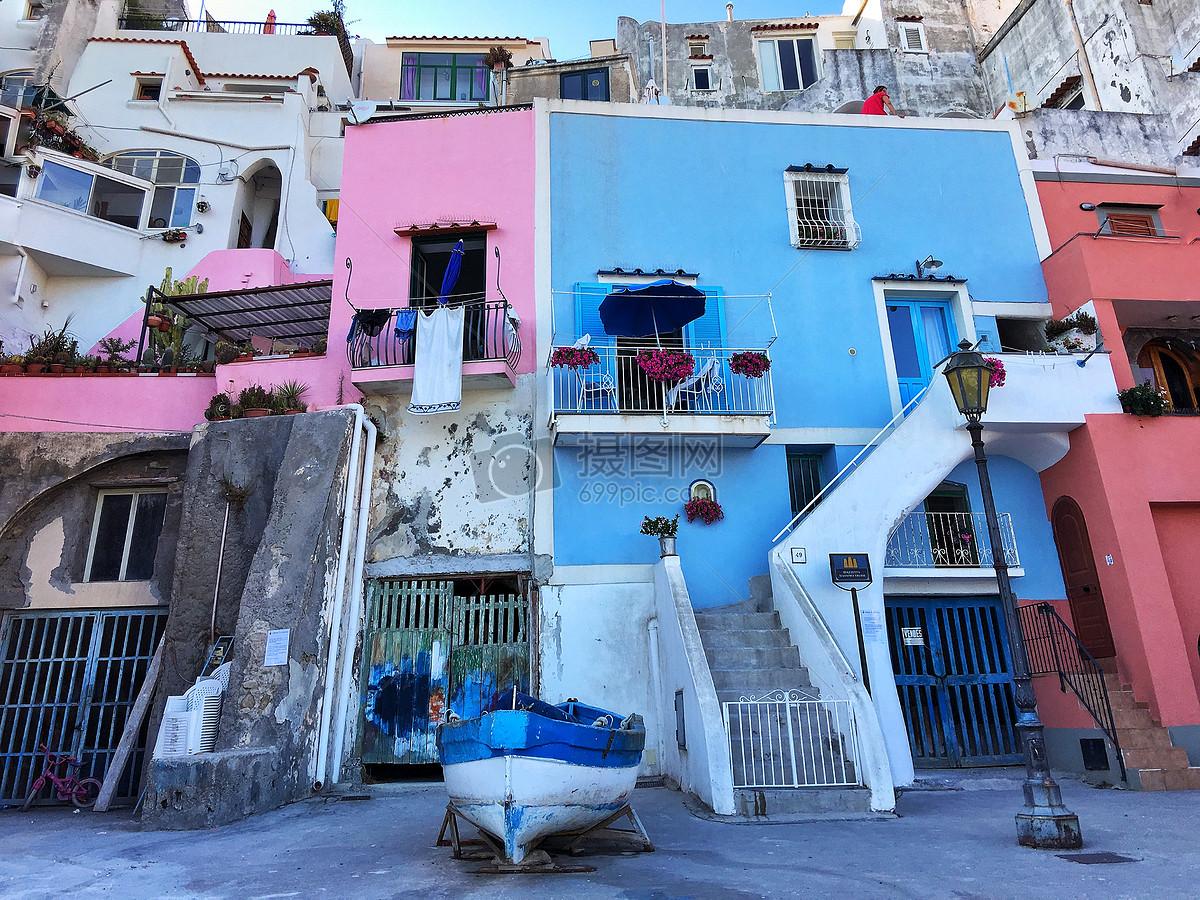 海边彩色房子
