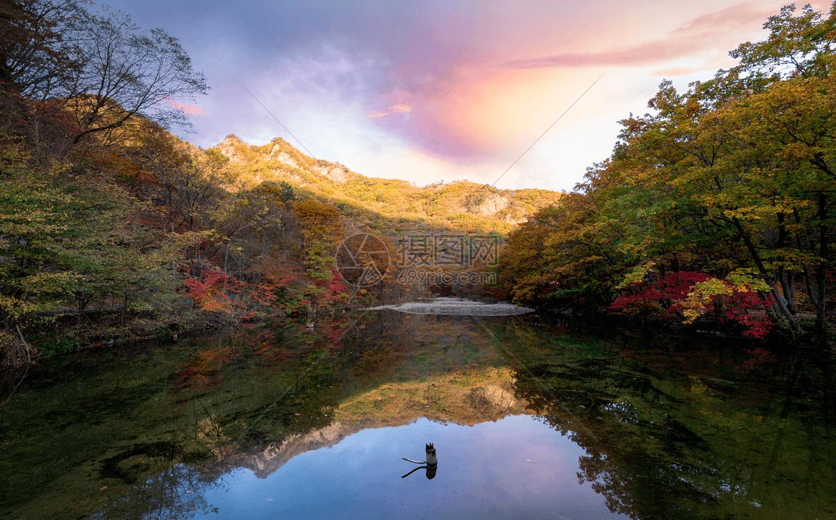 秋天的山水风景