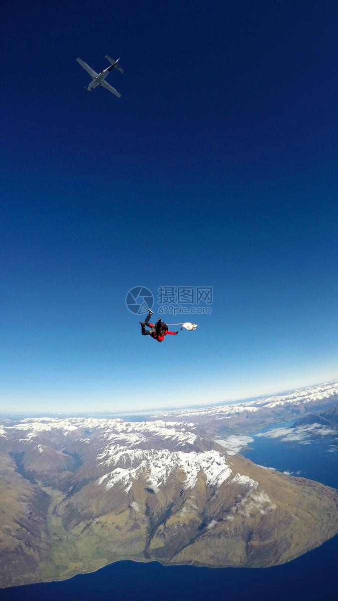 新西兰皇后镇极限运动跳伞航拍风景照
