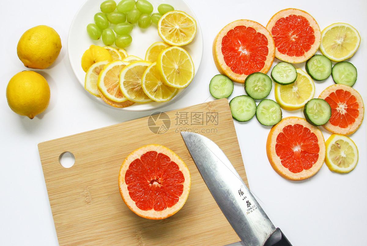 唯美图片 餐饮美食 新鲜水果柠檬西柚jpg  分享: qq好友 微信朋友圈