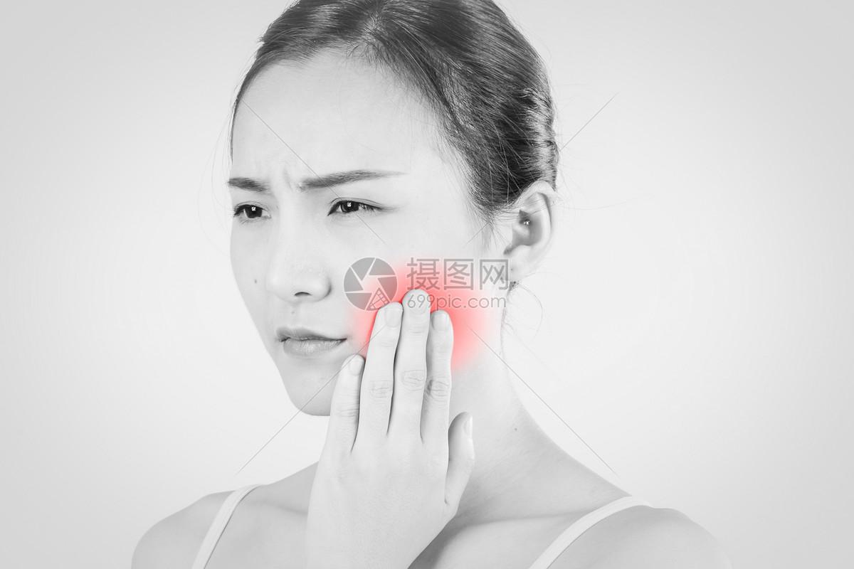 牙痛抓狂崩溃图片可爱