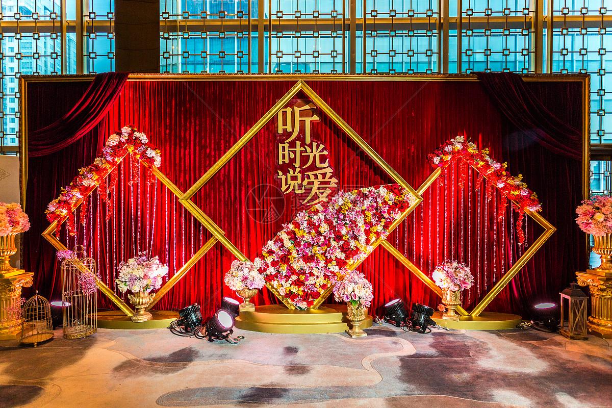 图片 照片 室内家居 婚礼布景之红色怀旧jpg  分享: qq好友 微信朋友