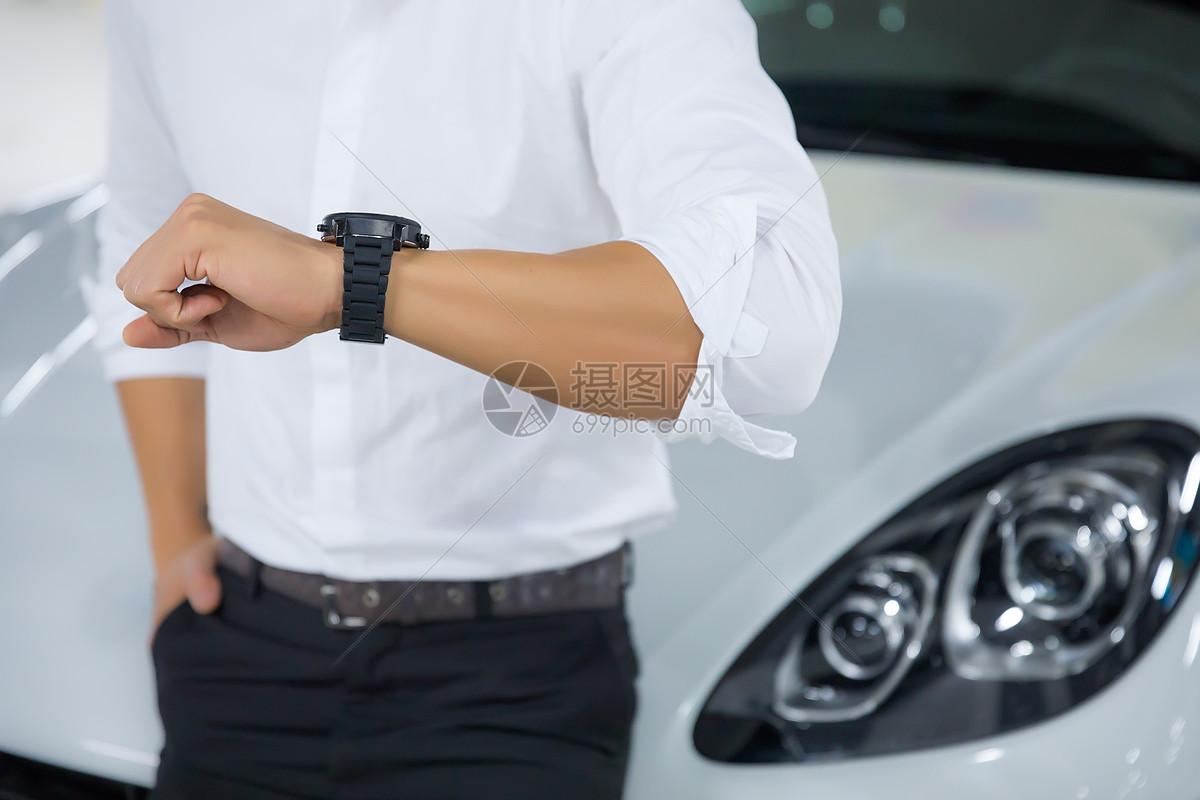 商务男性汽车手表图片