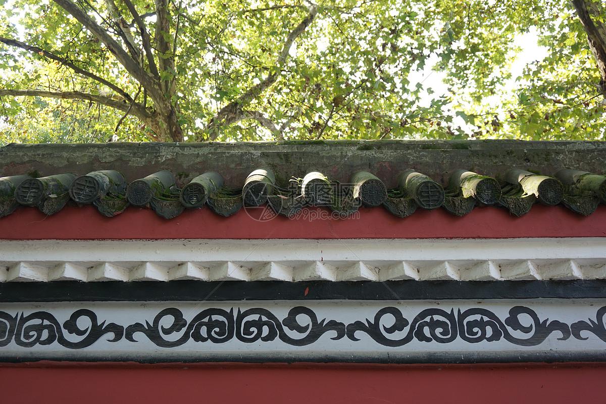标签: 百年历史红墙黑瓦武汉晴川阁建筑结构古建筑古典花纹古建筑屋檐