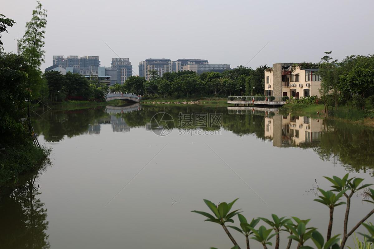 唯美图片 自然风景 公园人工湖jpg  分享: qq好友 微信朋友圈 qq空间