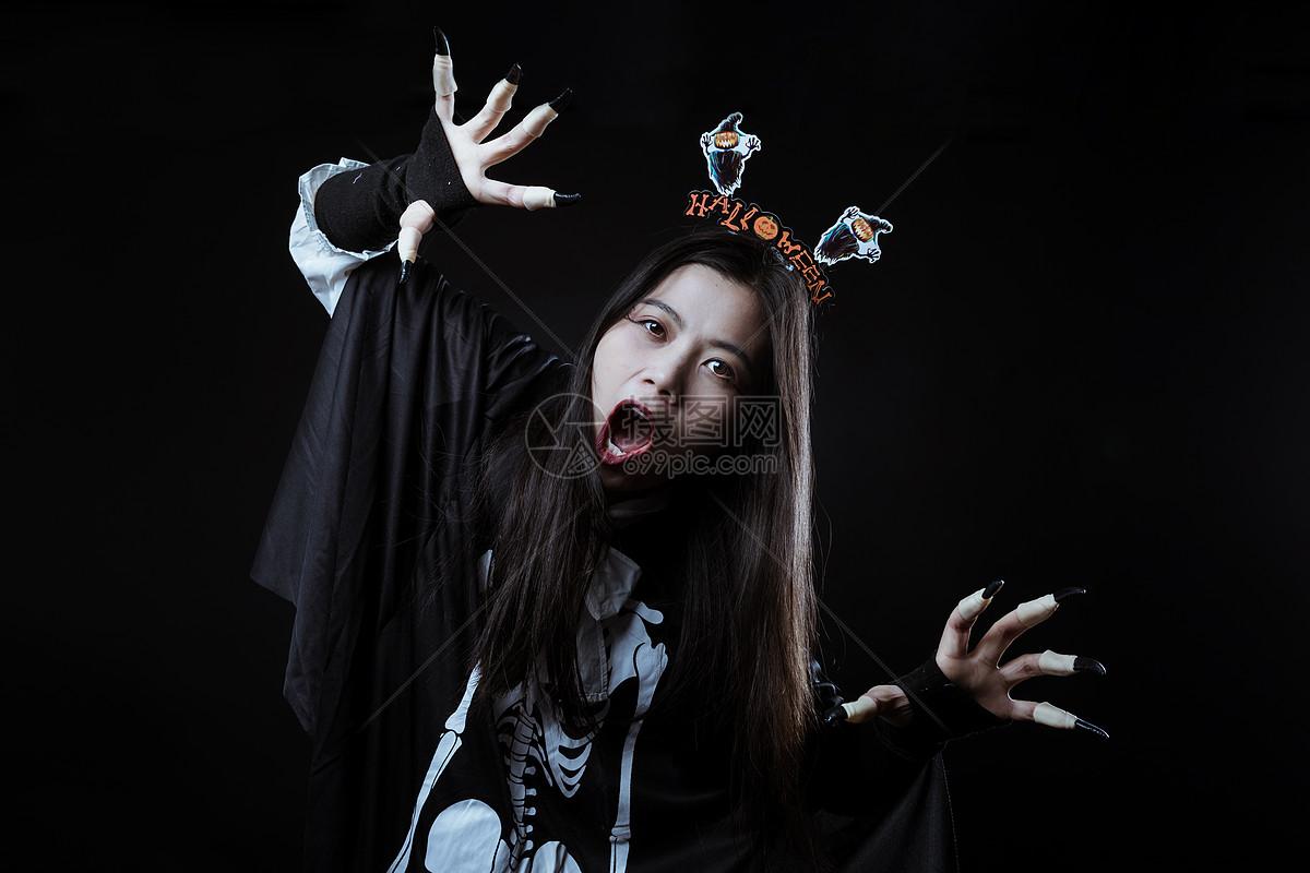 万圣节装扮鬼怪人物图片