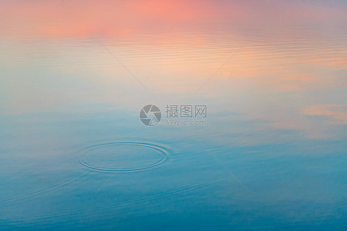 照片 自然风景 日落黄昏水面倒影jpg  分享: qq好友 微信朋友圈 qq