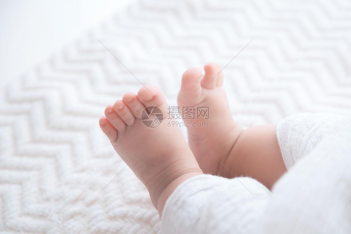 唯美图片 人物情感 婴儿的小脚丫jpg  分享: qq好友 微信朋友圈 qq