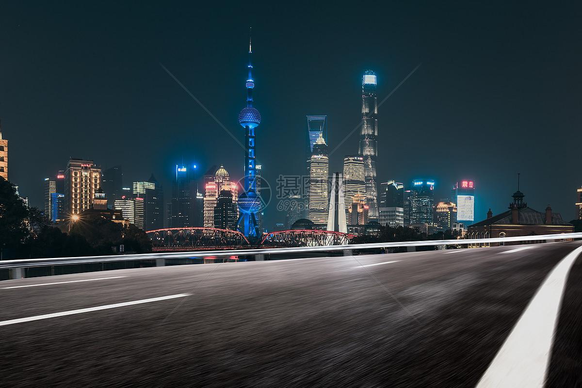 qq空间购买_上海城市公路高清图片下载-正版图片500768160-摄图网