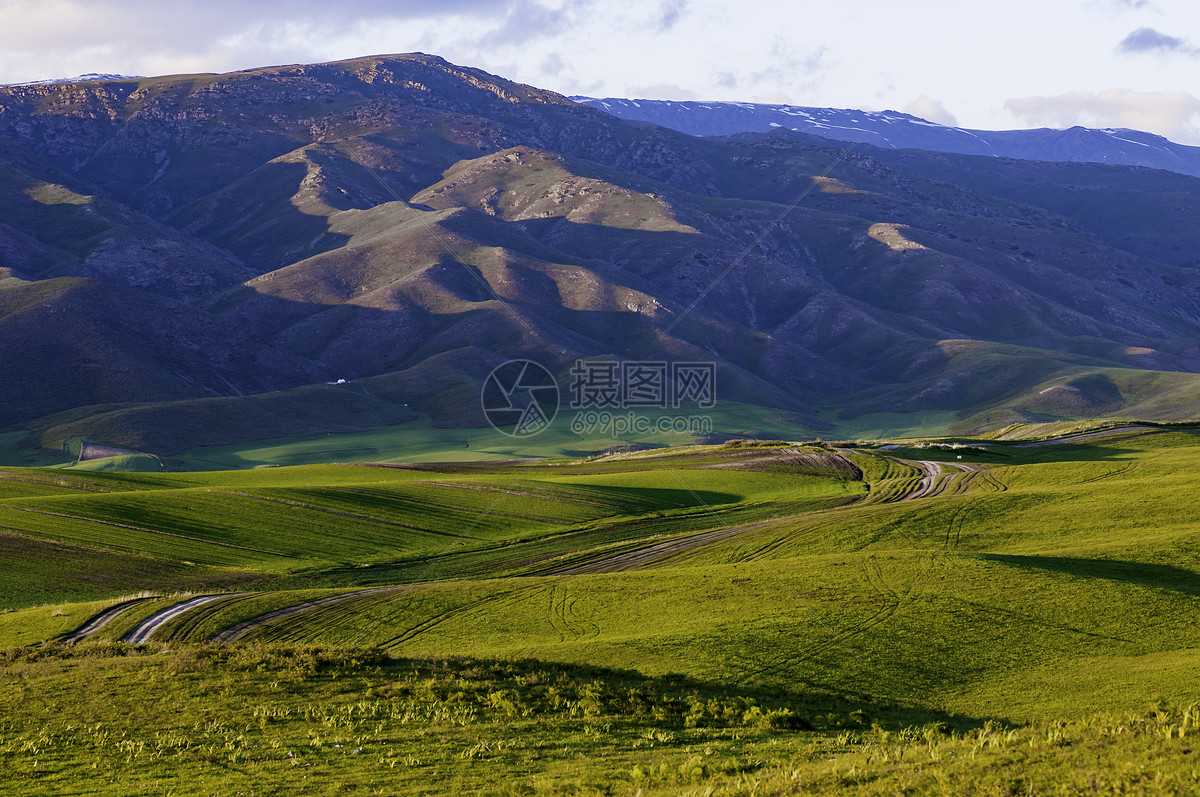 照片 自然风景 新疆塔城草场牧场线条光影jpg  分享: qq好友 微信朋友