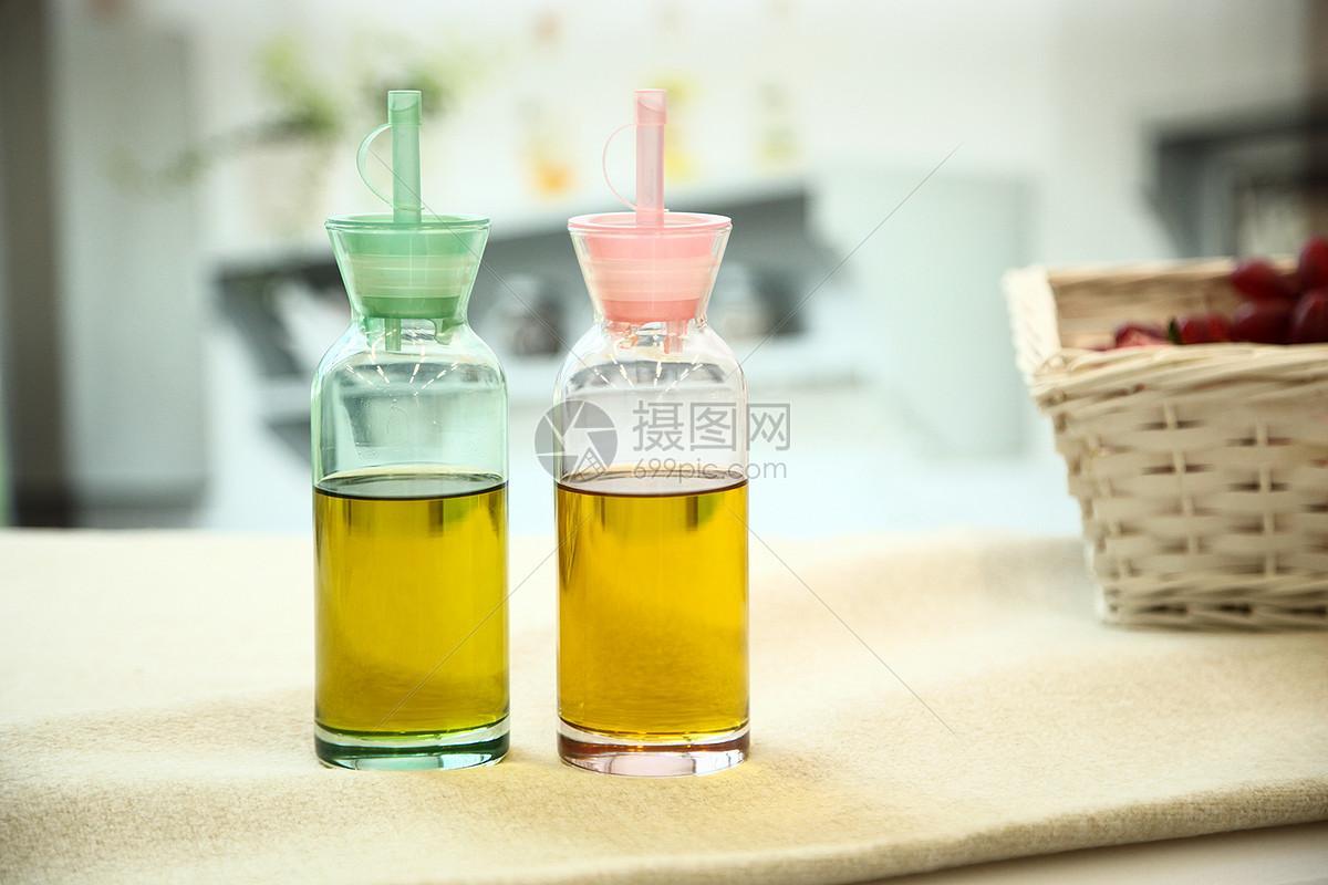 幼儿园油壶,饮料瓶手工制作