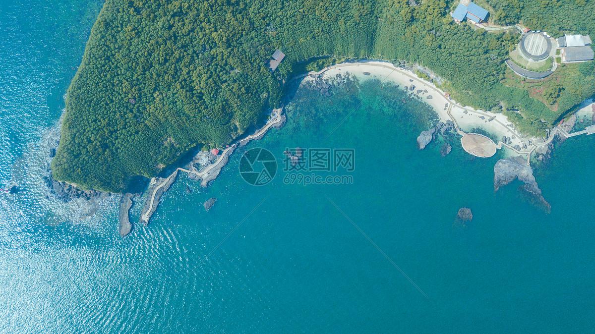 航拍北海涠洲岛的火山地质公园