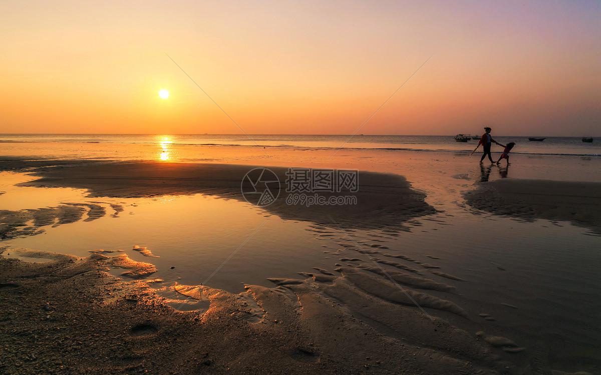 照片 背景素材 涠洲岛海滩jpg  分享: qq好友 微信朋友圈 qq空间 新浪