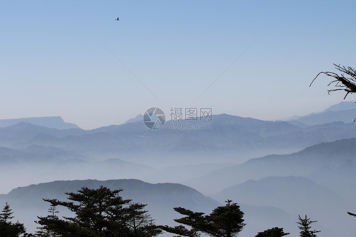 照片 背景素材 高山上的云jpg  分享: qq好友 微信朋友圈 qq空间 新浪