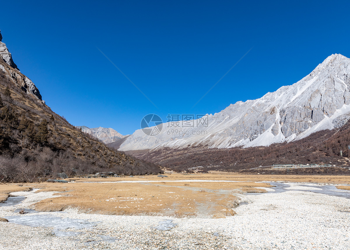 图片 照片 自然风景 冬天的稻城亚丁洛绒牛场.