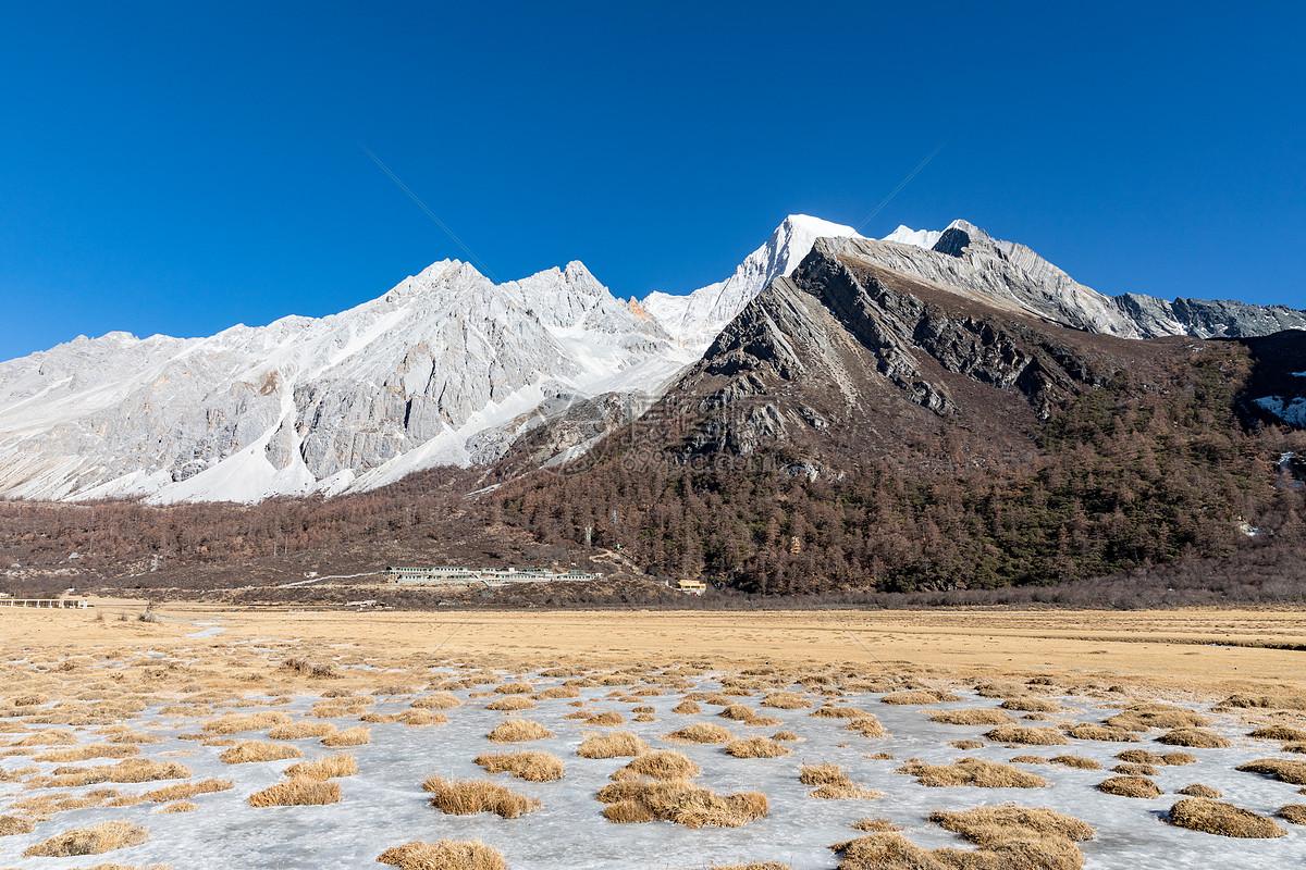 照片 自然风景 冬天的稻城亚丁雪山jpg