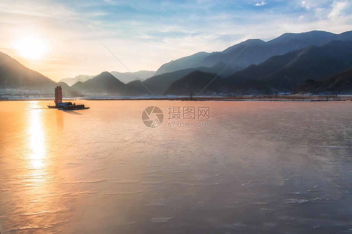 照片 自然风景 冬天的神农架大九湖jpg  分享: qq好友 微信朋友圈 qq