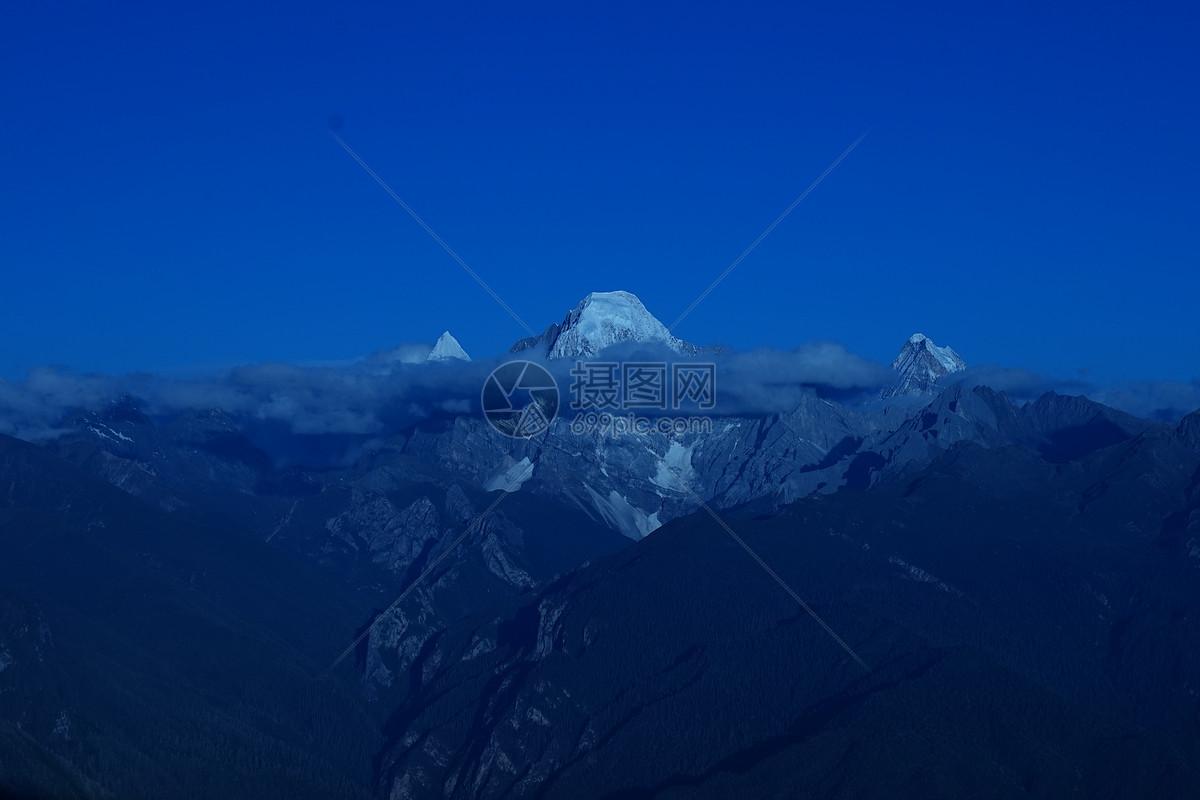 照片 自然风景 雪山jpg  分享: qq好友 微信朋友圈 qq空间 新浪微博