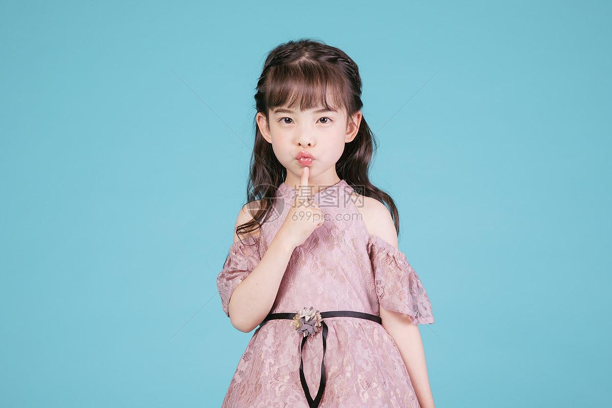 图片 照片 人物情感 可爱儿童小女孩人像jpg  分享: qq好友 微信朋友