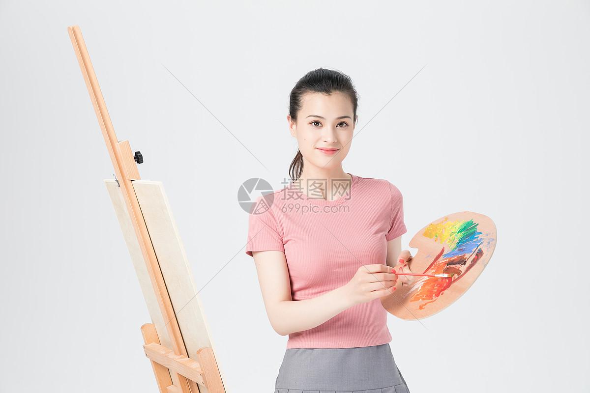 活力青年女性美术画画图片素材_免费下载_jpg图片格式