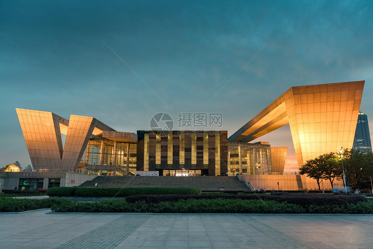 武汉琴台大剧院图片