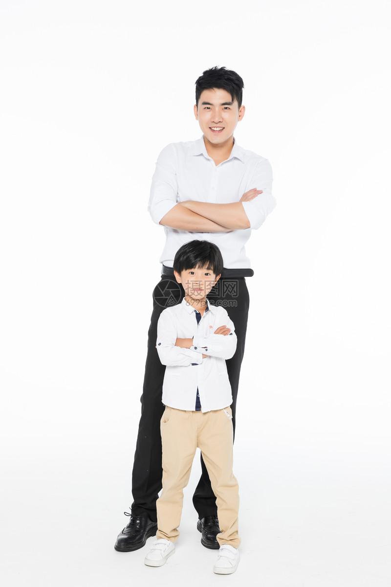 亲子陪伴爸爸和儿子图片