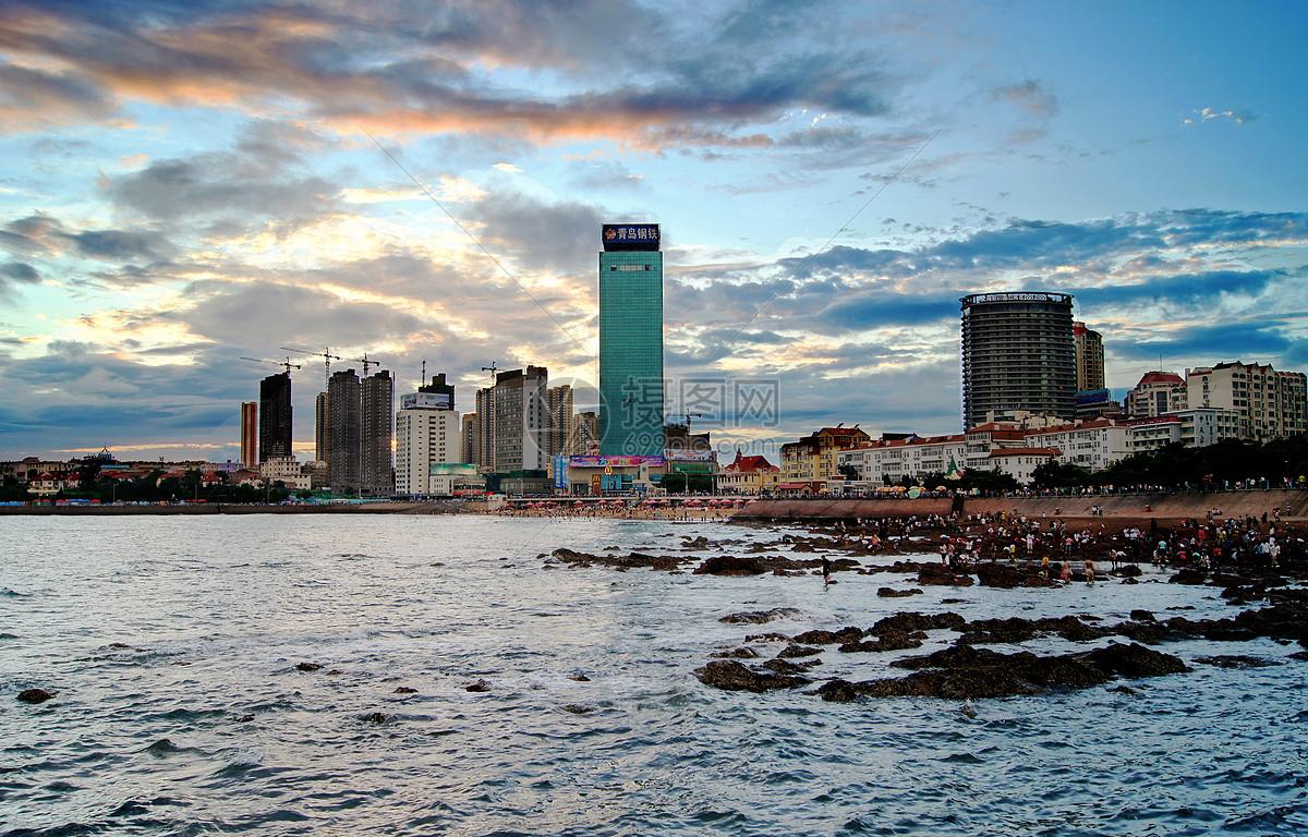 青岛沿海码头城市景色