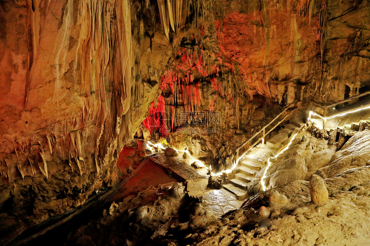 黄果树瀑布织金洞图片