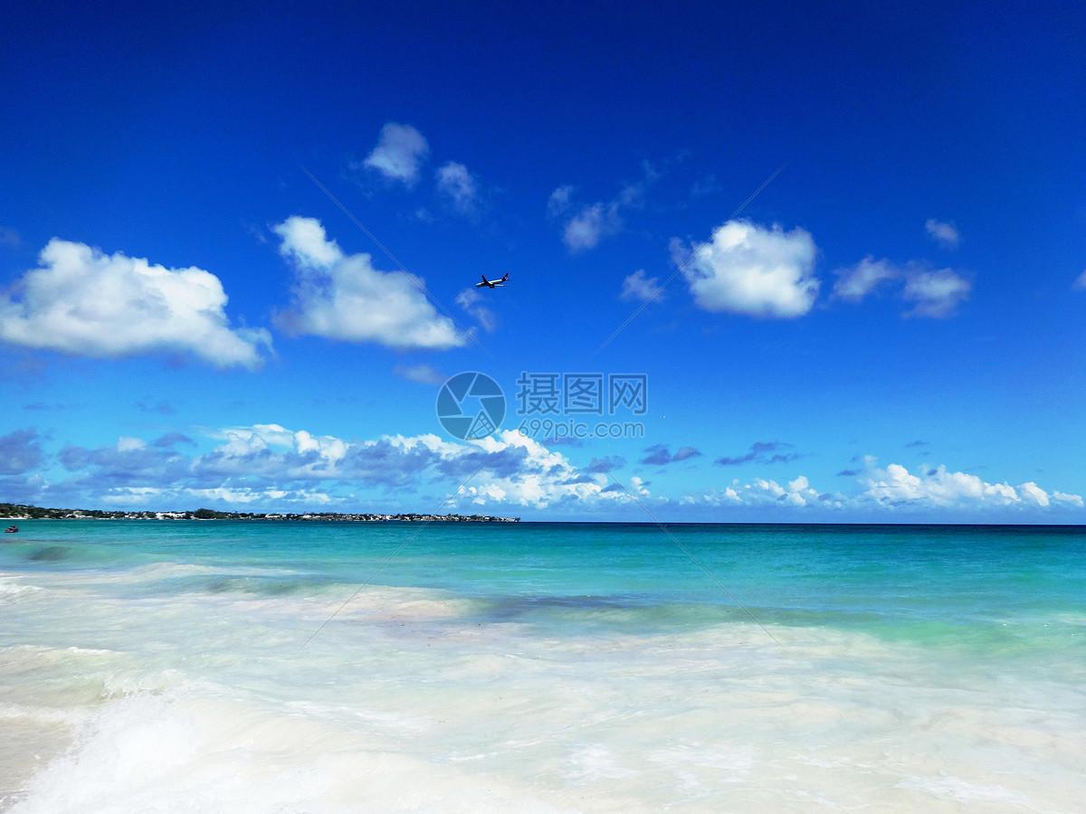 巴巴多斯美丽的海与沙滩风光奇秀海景迷人是驰名世界的海岛度假胜地图片