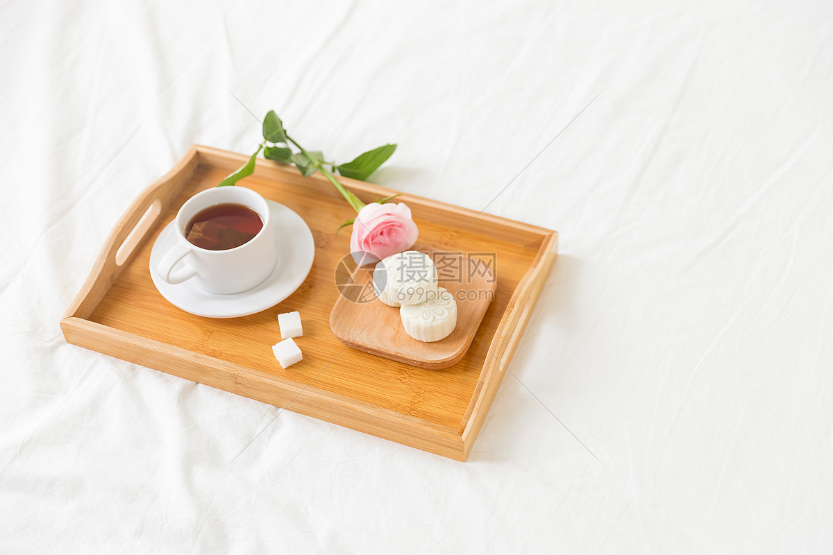 早餐红花与茶点图片