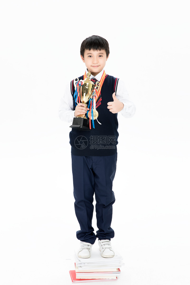获奖的小学生图片